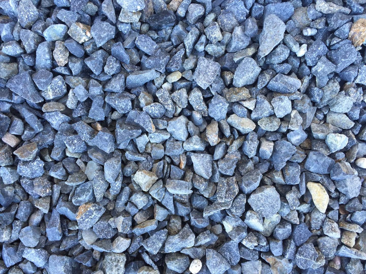 Nice 3/4u2033 Midnight Blue/Gray Color Decorative Crushed Granite Rock